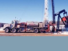 Khoan dầu khí (trên đất liền)